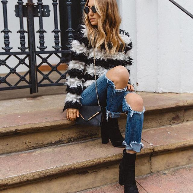 knit x ripped jeans.