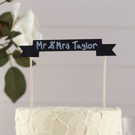 Zet deze mooie kouten krijtbord taarttopper op je bruidstaart en schrijf je eigen tekst er op met krijt. - See more at: https://www.weddingdeco.nl/krijtbord-cake-topper#sthash.anTGmpdw.dpuf