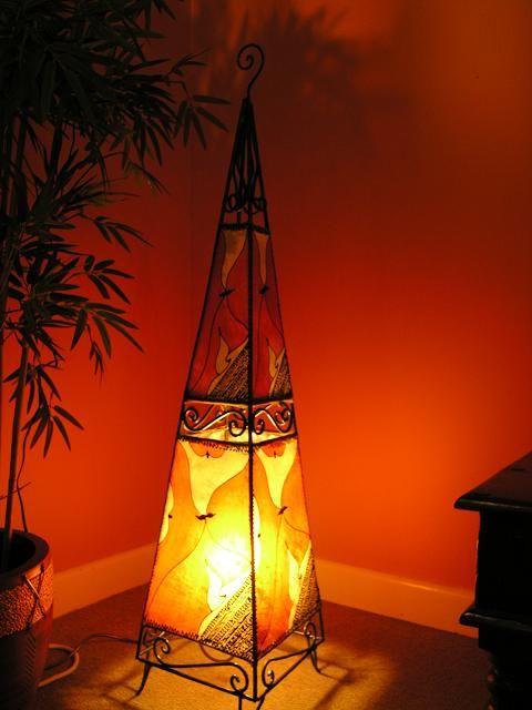 Floor standing henna lamp in amber