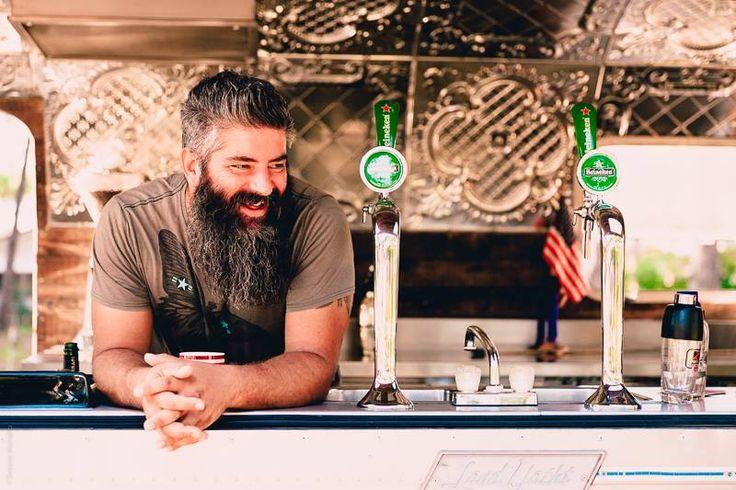 PT Airstream bar è equipaggiato con due spine birra e postazioni bar tender!