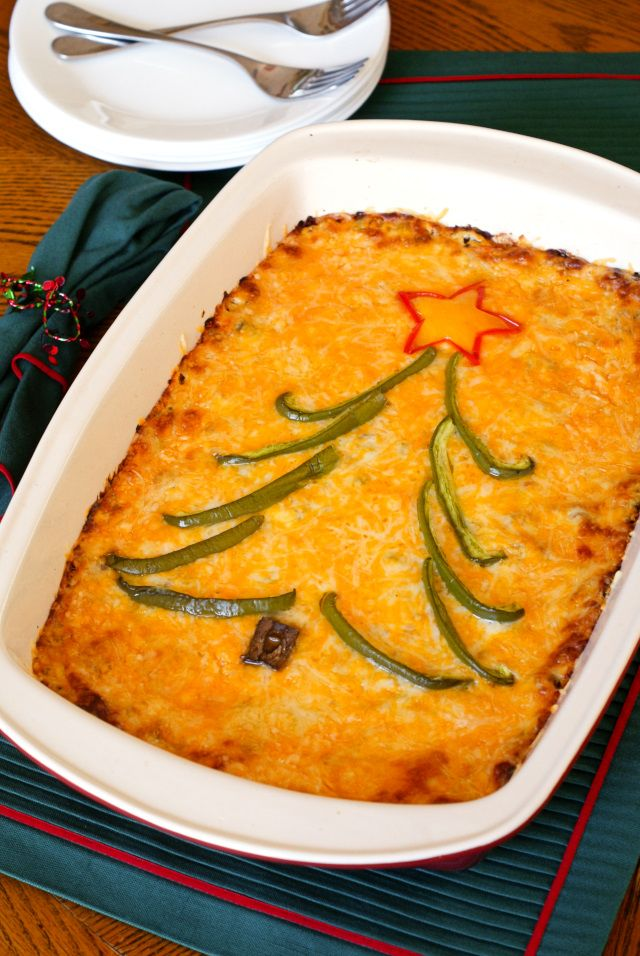 Holiday Hash Brown Casserole | thetwobiteclub.com | #spon #Christmas