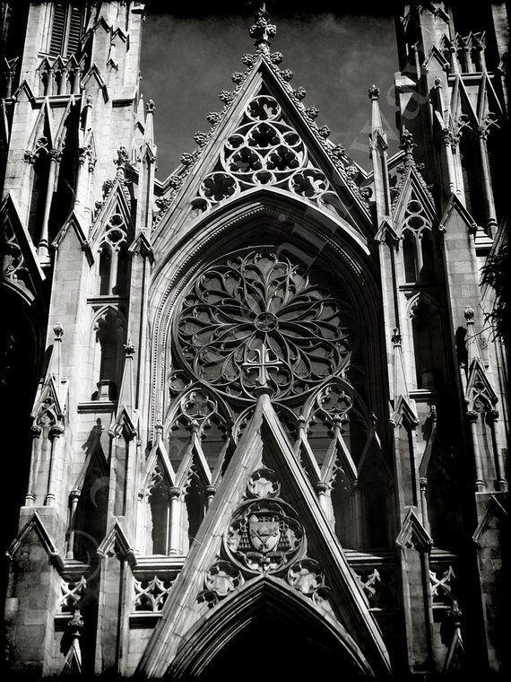 ретро фото готической архитектуры может потребовать прекращения