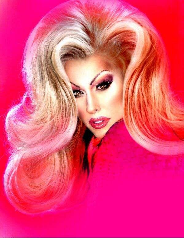 Drag Queens React to Celebrity Nudes: Alaska, Phi Phi ...