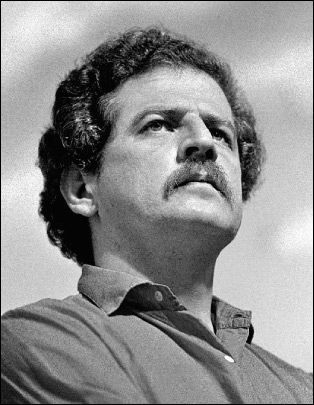 Leading presidential hopeful Luis Carlos Galán is assassinated near Bogotá in Colombia.