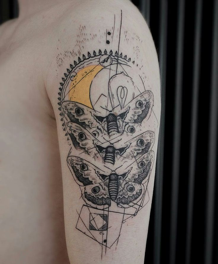Tattoo done by: @koittattoo #mariposa #tatuaje #tattoo