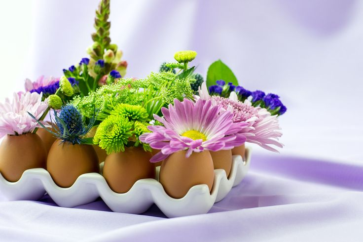 Eggshell Spring Floral by Sam Henderson of Today's Nest