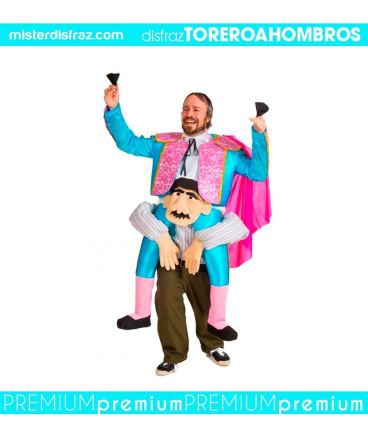 Disfraz de Torero a Hombros.  Te sentirás como un verdadero torero cuando da la vuelta en la plaza de toros. #disfraz #disfraces #disfracesoriginales #disfracesdivertidos #disfracescachondos #disfracesgraciosos #disfrazadulto #disfraztoreroahombros #toreroahombros #carnaval #premium #disfracespremium #premiumoriginales #misterdisfraz