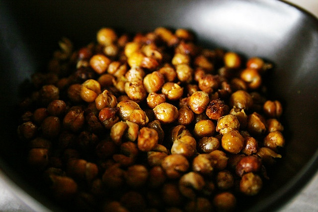 Spiced Roasted Chickpeas | Recipes to Try | Pinterest