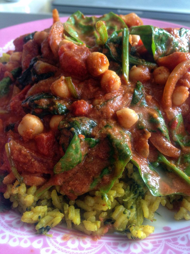 Slimming world pilau rice with chickpea and spinach curry. Syn free healthy recipe