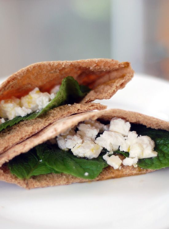 how to make chicken filling for pita bread