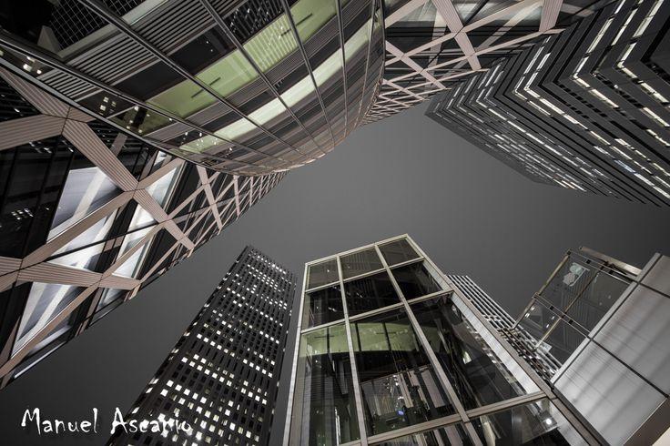 Tokyo Mode Gakuen Coccoon Tower / モード学園コクーンタワー by Askanioff