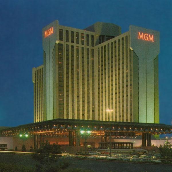 Vtg Lot Postcards NV Nevada Reno MGM Grand Hotel Casino