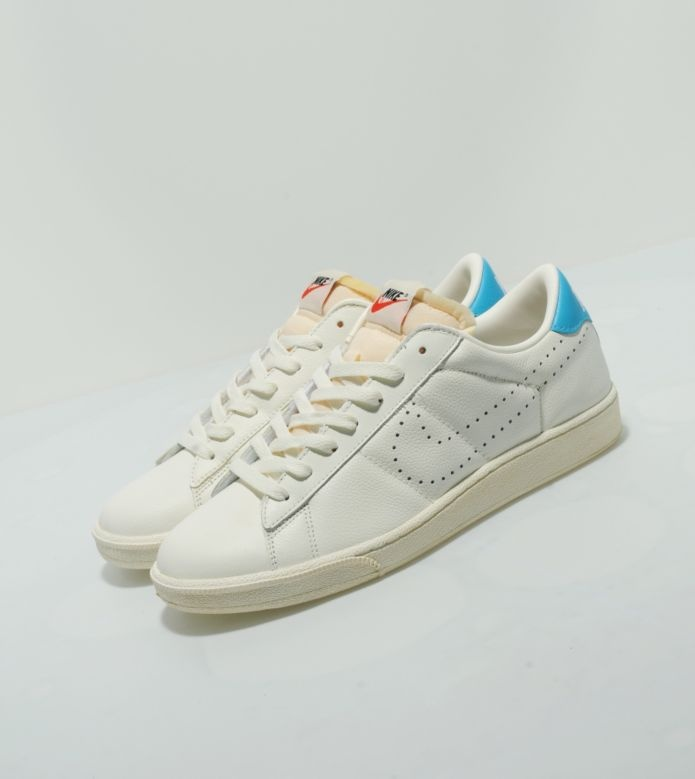 Reissued Vintage Nike Tennis Classic Exclusive To The UKs Size Store 9500