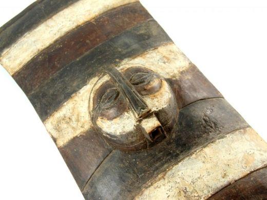 Luba shield  http://www.etnobazar.pl/shop/stanley/products/tarcza-luba-kongo-afrykanska-rzezba