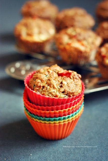 Moje Dietetyczne Fanaberie: Dietetyczne muffiny z warzywami i czosnkiem