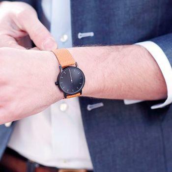 ラ・トロトゥース&コンパニのかっこいい時計。革ベルトの腕時計 ブランド
