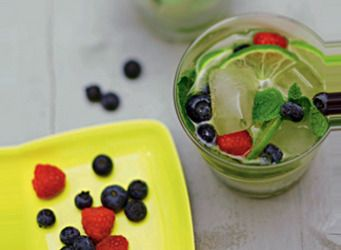 Virgin mojito aux fruits rouges