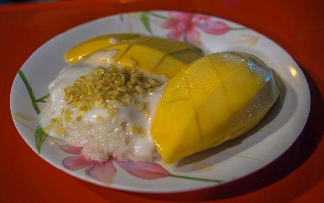 Khao Niaow Ma Muang  (Mango Sticky Rice)