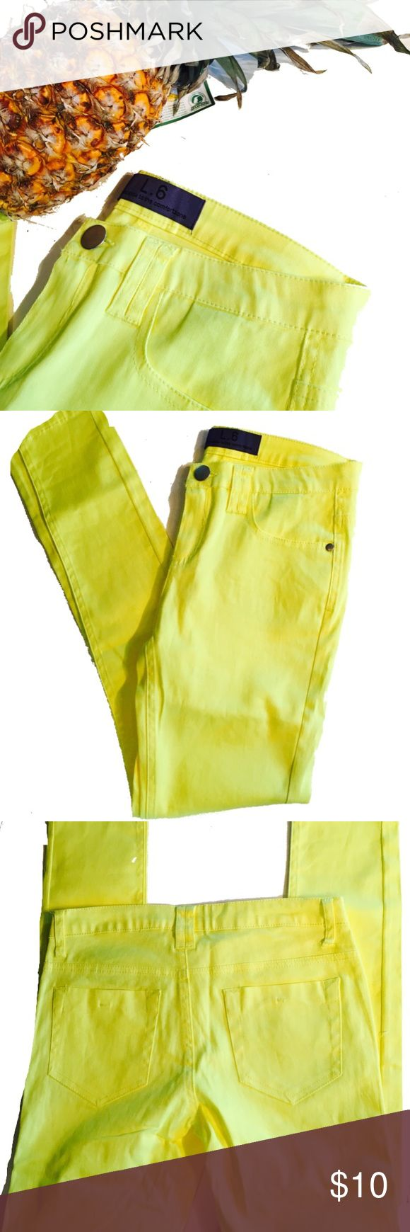 NWOT yellow skinny jeans Bright yellow. Brand is L. 6 leads you to comfortzone 97% cotton 3% spandex. Material is thin. Not thick like jeans. Pants Skinny