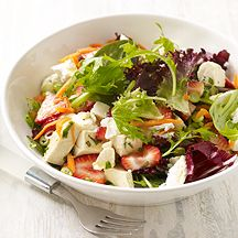 Chicken, Strawberry and Goat Cheese Salad with Tarragon Vinaigrette 7p