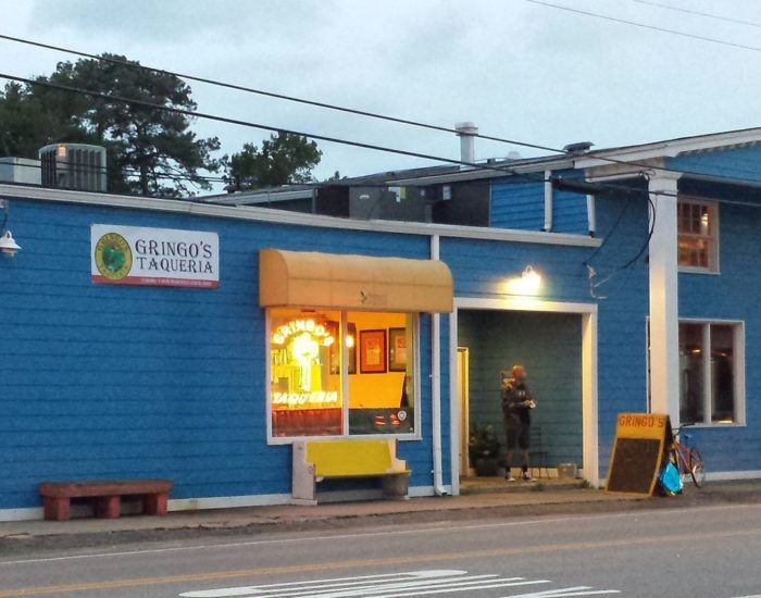 12 'Hole In The Wall' Restaurants In Virginia That Will Blow Your Taste Buds Away