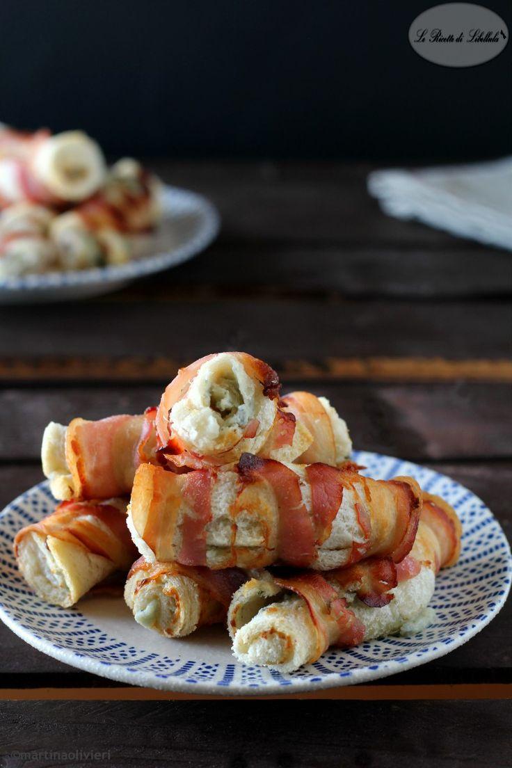 cannoli di pancarrè e pancetta con ripieno di formaggio