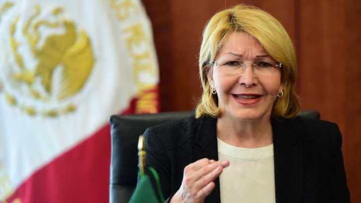 La Dtra. #LuisaOrtegaDíaz #FiscalGeneral de #Venezuela en el #Exilio demandó por #Genocidio a Maduro y a Altos Funcionarios del Régimen #Venezolano ||| #Foto de la #Fiscal hablando durante #RuedaDePrensa en #México DF #LosEstadosUnidosMexicanos ( #México ) #NorteAmérica ||| Más detalles en el diario #LaVanguardia ...