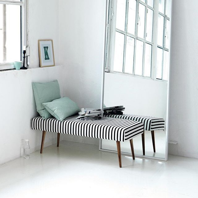 This cool Striped bench can soon be yours! Find out how to enter our huge giveaway on our Instagram page @housedoctordk. Fingers crossed for all of you 🙏