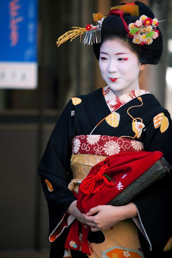 Japan 花街の始業式