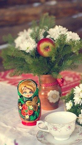 Matryoshka (Russian nesting doll) wedding decoration. #Russia #weddings