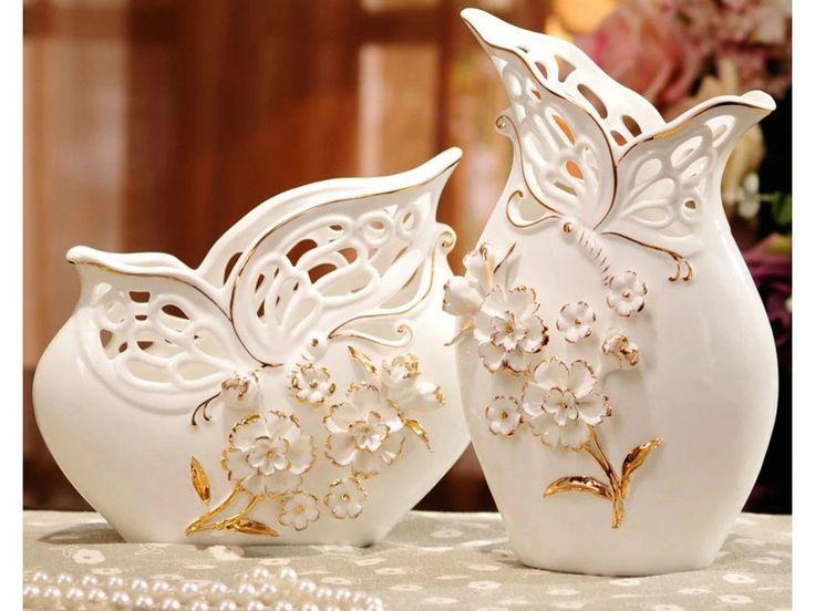 Elegant Pair of Porcelain Vases with Pinched Flowers – Samiksha's