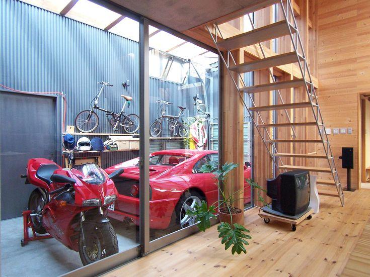 ダイニングからガレージ 透けた階段を裏側から見たところ Garage Design Interior Garage Design Garage Guest House