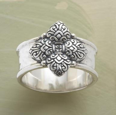 This site has cool stuff: Unique Rings, Bands Rings, Pretty Things, Orleans Rings Cast, Sterling Silver, Orleans Bands, Jewelry Rings, Handmade Jewelry, Silver Bands