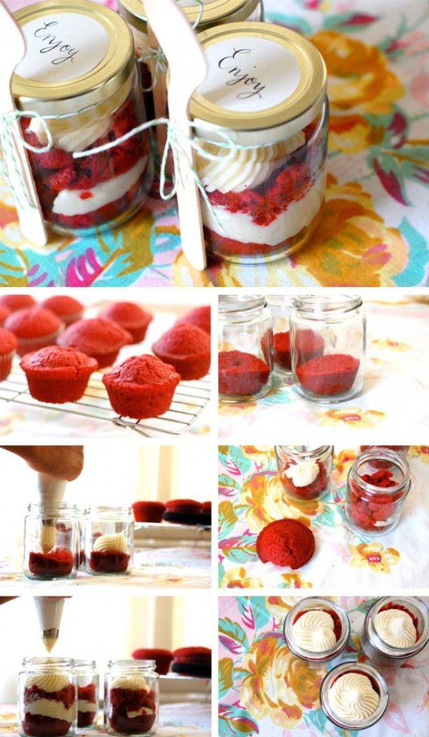 red velvet cupcake in een pot