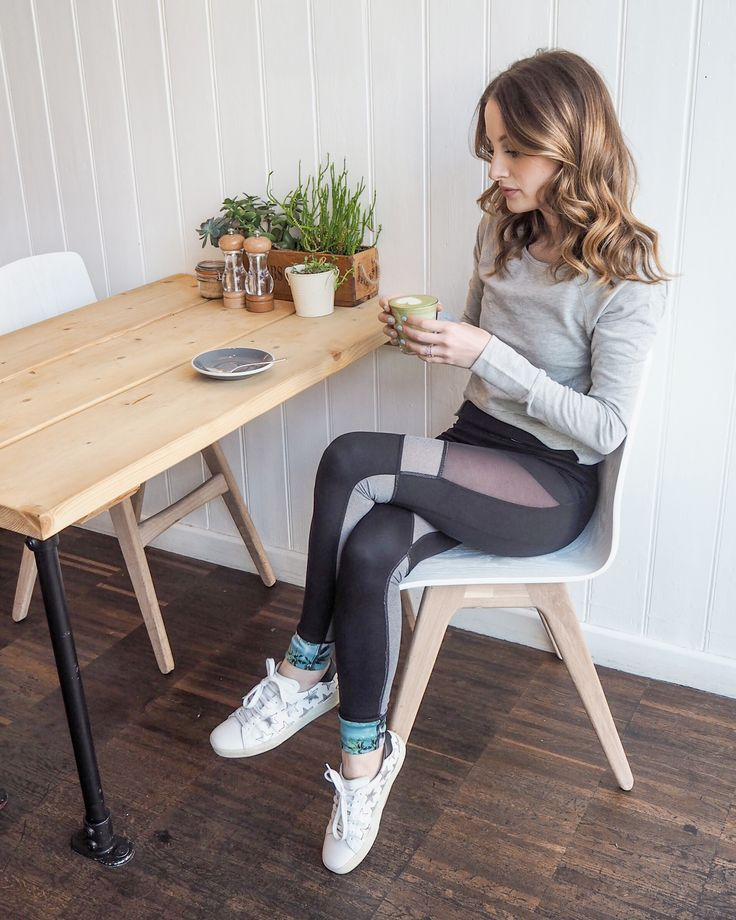 From barre to brunch. London fashion blogger styles up the reversible yoga leggings.