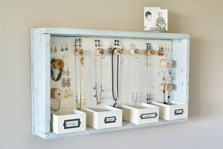 diy jewelry organization   DIY: jewelry organizer   Organizing ideas
