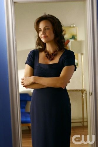 """GOSSIP GIRL FASHION """"Bonfire of the Vanity""""  Pictured: Margaret Colin as Eleanor Waldorf"""