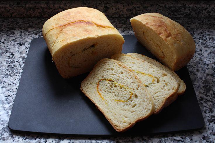 Pane alla ricotta, zafferano e menta - bread with ricotta cheese, saffron and mint
