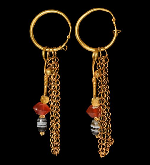 Byzantine Gold Earrings, 6th-9th Century ADWith carnelian and agate beads