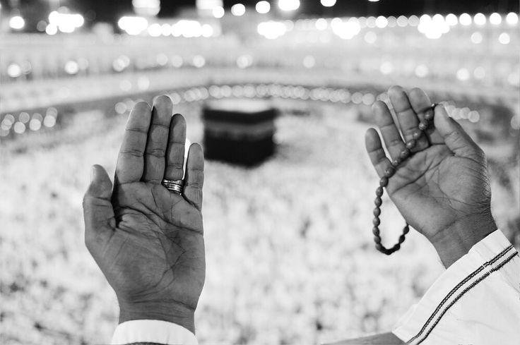 Bir kimse Ramazan orucunu tutar ve ona ilaveten Sevval'den altı gün tutarsa, bütün seneyi oruç tutmuş gibi olur. Hz. Ebu Eyyub (r.a.)  #hayırlıiftarlar  #ramadan #ramazan #umredefark #umre #hac #mekke #medine #medinah #mecca #allah #kuran #islam #musluman #muslim #sahinoglugroup #sahinogluturizm #hzmuhammedsav #hzmuhammed #allah #quran #muslim