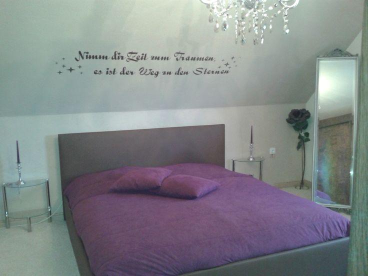Schlafzimmer renovieren ~ Mit einem zarten grau im schlafzimmer schaffen sie eine schöne
