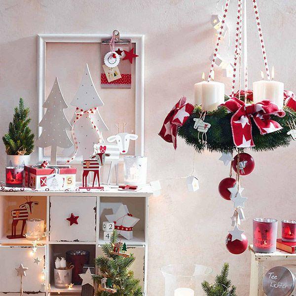 Einfach mal hängen lassen - im DEPOT Onlineshop findest Du eine große Auswahl an Adventskränzen. #Adventskranz #Weihnachten