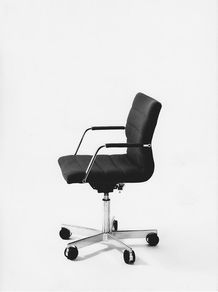 bo-844 junior executive chair all in black