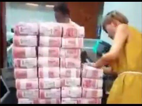 Kiszivárgott a banki videó felvétel! Így vett fel 350 milliót egyben, kp-ben ez a nő!