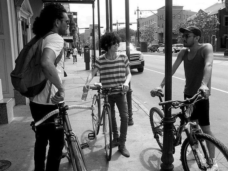 1,013 vind-ik-leuks, 15 reacties - LP Laura Pergolizzi (@lp_laura_pergolizzi) op Instagram: 'Bikes are a must on tour now! Thanks @izzoimages for this awesome photo! Repost @iamlpofficial…'