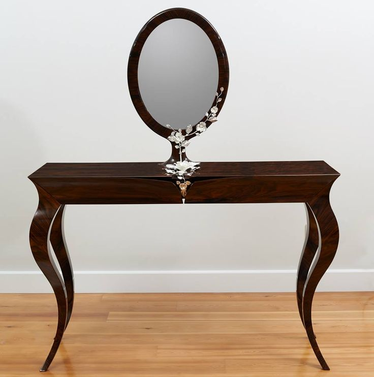 DRESSING TABLE 'One timeless piece.'
