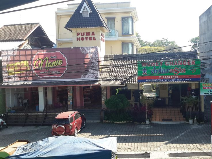 Bandung Hotel Puma Cihampelas Indonesia, Asia Hotel Puma Cihampelas is perfectly located for both business and leisure guests in Bandung. Offering a variety of facilities and services, the hotel provides all you need for a good night's sleep. Free Wi-Fi in all rooms, laundromat, private check in/check out, taxi service, ticket service are on the list of things guests can enjoy. Television LCD/plasma screen, internet access – wireless, internet access – wireless (complimentary)...