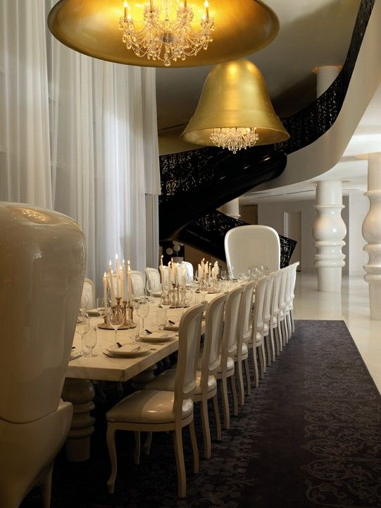 Drama takes centre stage in the dining room of the Mondrian Hotel, Miami