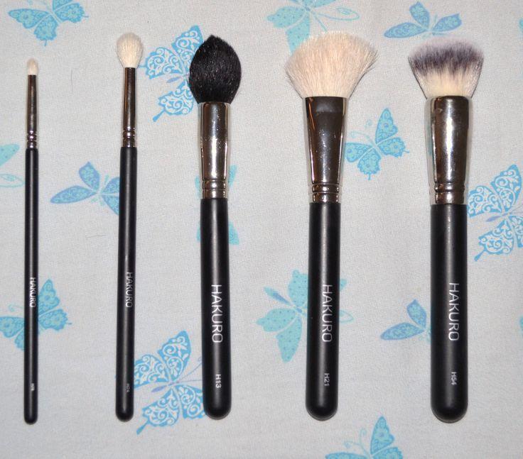 My Hakuro Brushes: H54, H21, H13, H74, H76  I miei pennelli Hakuro