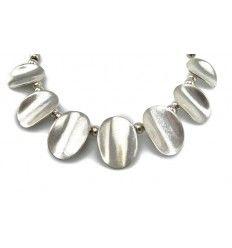 Halskæde med sølvbelagte metal plader - utrolig smuk !!